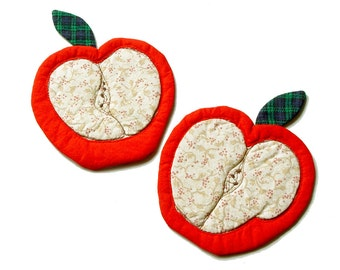 Red Apples Cloth Coasters, set of 2,  primitive country, reversible coaster, table decor, teacher gift, red apples, food art, back to school
