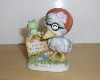 Vintage Kitsch 1970s - Motto Figurine, Bird and Frog, You Just Love Me For My Looks, Giftcraft Made in Taiwan