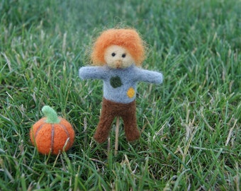 Felted scarecrow, scarecrow mminiature, felted pumpkin, needle felted miniature