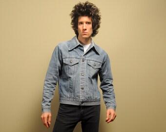 vintage 60s 70s denim jacket jean jacket light wash faded distressed denim quilted lining 1960 1970 work jacket medium M