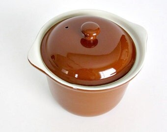 HALL Stoneware Bean Pot. Vintage Ovenware. Stoneware Bean Pot. Brown HALL Beanpot.