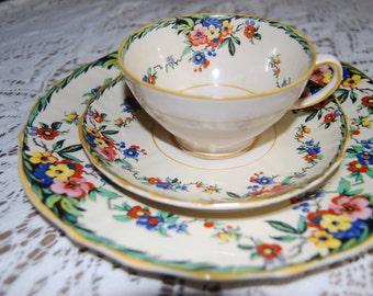 Vintage Hampton Ivory Surrey English China Set - 7 place settings and matching tea pot