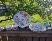 Taste Seller by Sigma porcelain dishes, Japan,Bright Floral Vintage china.PRIMAVERA pattern. 4 plates and cups.RARE Pattern .Mint condition.