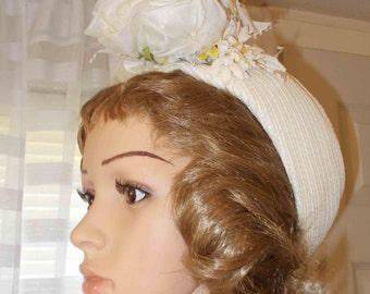 White Hat with Flowers on Brim FRANK OLIVE Vintage White Hat for Misses 1940s