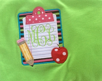 School/teacher clipboard appliquéd t-shirt personalize with a name