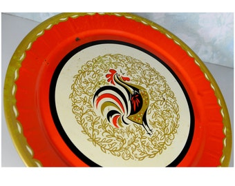 """serving tray, display tray, rooster, mid century, shabby chic, retro kitchen, wall hanging, vintage kitchen, rustic, round, 19"""", kitschy fun"""