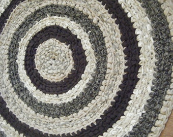 Beautiful Traditional 3 foot Round Area Rug in Black and Beige - for Etsy
