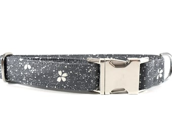 Floral in Gray Dog Collar