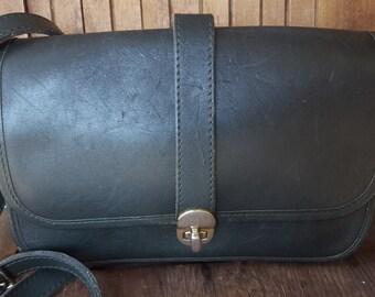 EVERGREEN   ///    VTG Leather Satchel