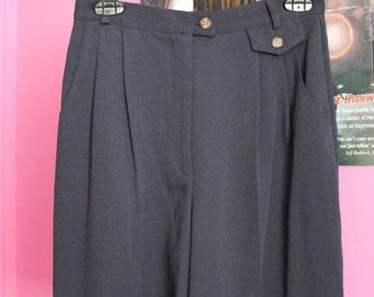 Vintage 80s fashion navy blue Sailor shorts