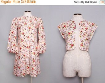 SALE 1960s Trapeze Dress / Vintage 60s Floral Dress in White & Pink / Medium Large
