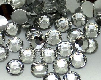 200 pcs Resin Flatbacks Clear 3mm or 4mm