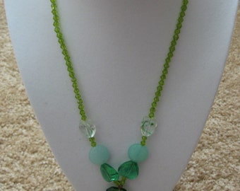 "20""  beaded necklace crystal in green colors"