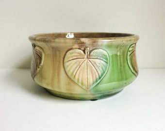 Majolica Bowl or Planter with Spade Shaped Leaves - Botanical Woodland Country Chic Decor - Dresser Accessory - Mother's Day Gift