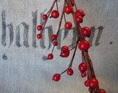 Christmas Red Round Berry Garland 1 meter long