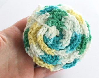 SHOP CLOSING SALE . Flower Face Scrubby Set . Set of 3 . Crochet . 100 Percent Cotton . White, Yellow, Blue & Green