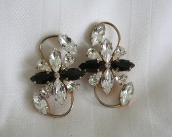 Pale Green Rhinestone Earrings