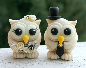 Winter wedding owl cake topper, champagne love birds, pinecone bouquet
