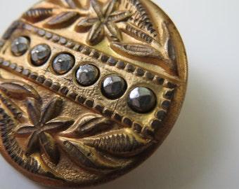 Pictorial Metal Antique Vintage Steel Rivets Button, #6