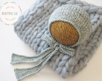 Knitting Pattern - Simple Bonnet With Knit Ties - Newborn Photography Prop