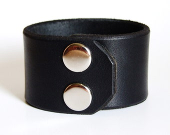 Hard thick leather bracelet