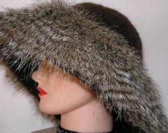 Brown Felted Hat Faux Fur Trim Hand Knit