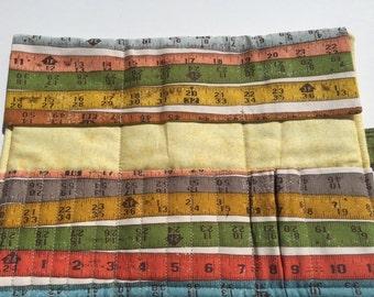 Tape Measure Crochet Hook Wallet 14 Pockets + Scissor Pocket - DPN - Make Up Brushes - Varied Size Pockets