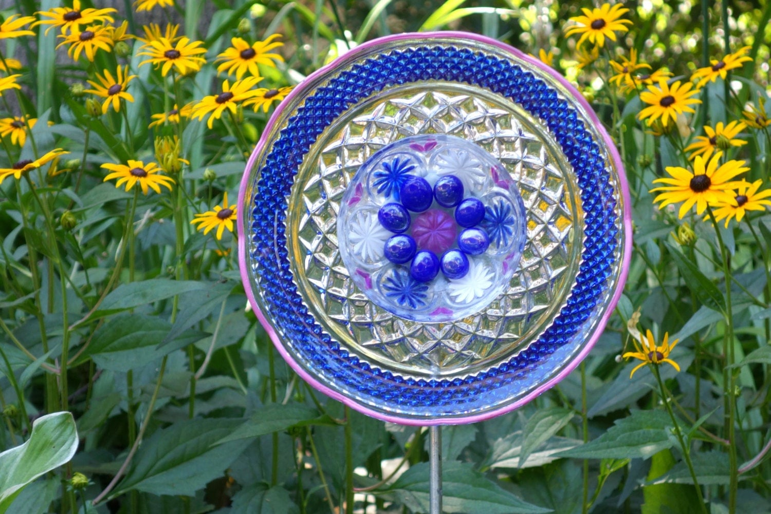 Recycled garden art hand crafted plate flower hand painted for Recycled glass flowers