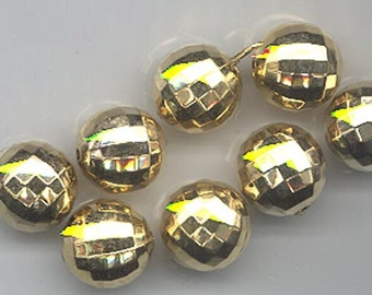 Fifteen shiny gold tone vintage lucite beads with prism faceting - 12.3 mm