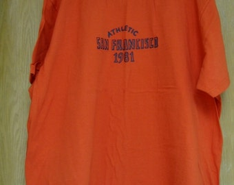 vintage  orange men's  'Old Navy'  logo tee . . .  size XXLarge . . . .excellent condition