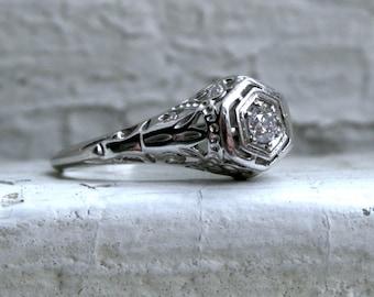 Stunning Vintage Platinum Solitaire Diamond Engagement Ring