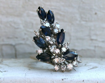 Vintage Retro 18K White Gold Sapphire and Diamond Cluster Ring.