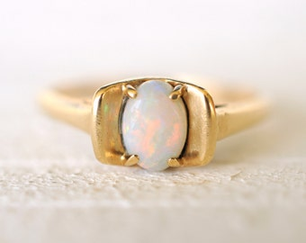 SALE - Vintage Opal and 10k yellow gold ring / engagement / Size 6.75 / boho bohemian mermaid jewelry
