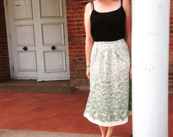 1970's Floral Geen Midi Skirt