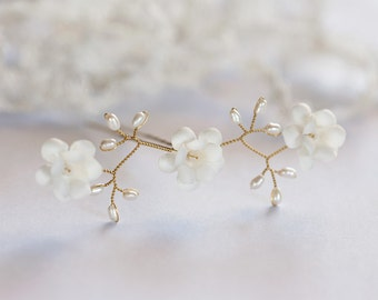 82_Gold flower hair pins,Hair pin with pearls,Ivory wedding hair accessories, hair pin ivory, Bridal hair flowers, Bride flower pin Hair pin