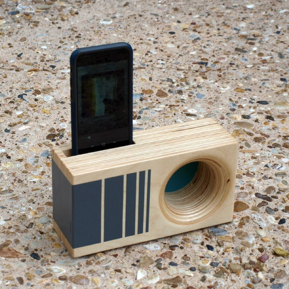 Design Your Own DOCK Box - Acoustic iPhone Amplifier