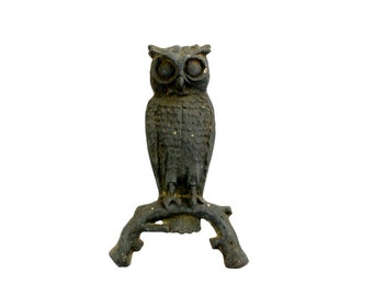 Vintage Cast Iron Owl // Vintage Owl Decor // Hoot Hoot