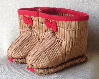 Hand woven Japanese Children's Snow Boots, Fuka-Gutsu - Vintage Childrens Shoes - Japanese Snow Boots -  Folk Crafted Childrens Snow Boots