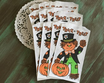 Halloween Treat Bags / 40 Scarecrow & Pumpkin Trick or Treat Bags / vintage Trick or Treat Paper Bags