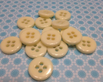 20 vintage ivory color acrylic buttons, 15 mm (4)