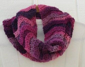 Crochet Ribbed Ripple Cowl Multicolor Purple Plum Wine Pink Chevron