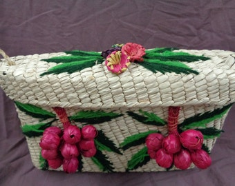 SALE.... Vtg 40s CARMEN MIRANDA Wicker Box Bag with Grapes, Flowers and Yarn Leaves!