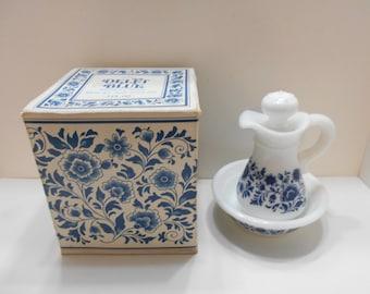 Vintage Avon Delft Blue Pitcher & Bowl (17-D) Skin-So-Soft Bath Oil