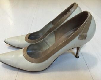 SALE! 1950s DeLiso Debs Leather Pointed Toe Stilettos Vintage Heels by Palter DeLiso