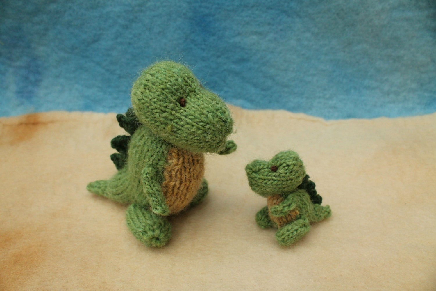 Baby Dinosaur Knitting Pattern : Mummy and baby dinosaurs knitting pattern PDF