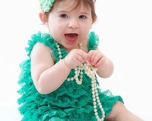Green Lace Romper/Emerald Green Romper/Baby Romper/Newborn/BabyShower/First Birthday/CakeSmash/Pageant/PhotoProp