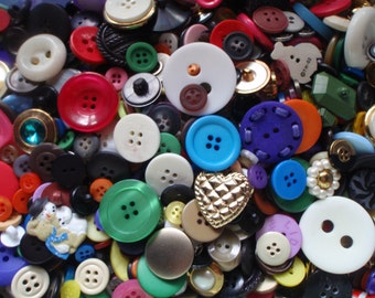 One Pound of Sewing Buttons 5 to 30mm