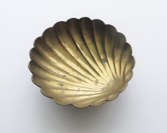 80s Brass Shell Bowl Metal Nautical Sea Beach Sand Decorative Bowl Trinket Jewelry Bowl