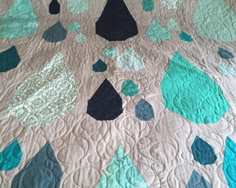 Full Size Raindrop Grey/Blue/Teal Quilt