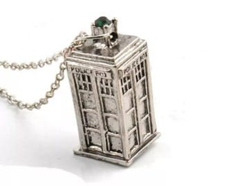 Dr Who Police Box Necklace!